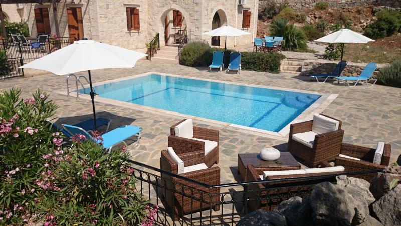 Seating around pool