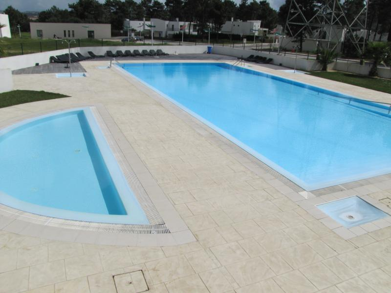 Luxury Apartment in 4* Resort, holiday rental in Setubal District