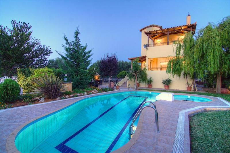 Villa Lambros - Away it From All in the Nature!, vacation rental in Argyroupolis