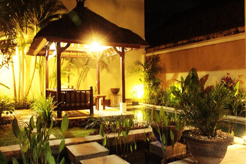 2 Bedroom Villa near Oberoi Streeet Seminyak beach, holiday rental in Maluku