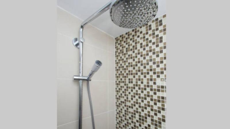 Shower *