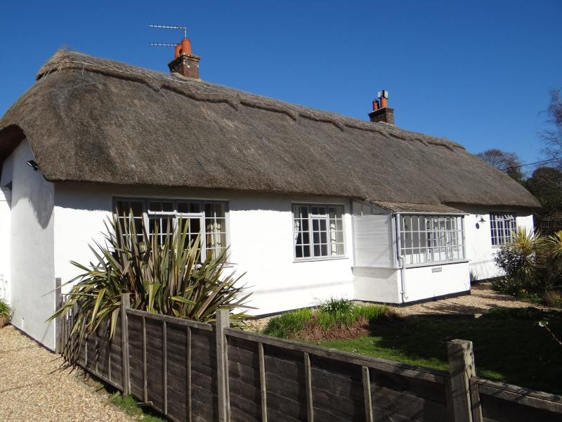 5 bedroom thatched cottage set amidst charming gardens