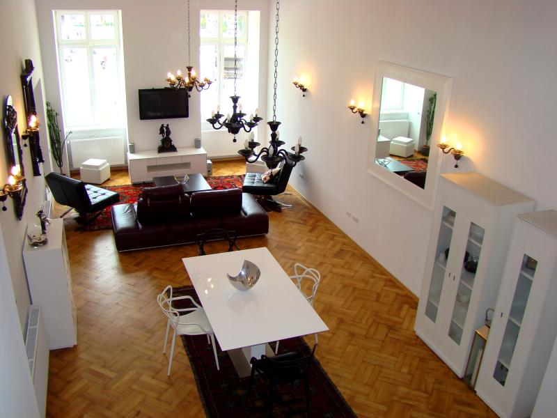 Designer Apt in Historic Building, vacation rental in Poiana Brasov