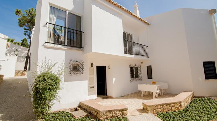Holiday home in Vale do Lobo, beach is just a five minute walk and golf nearby – semesterbostad i Loule