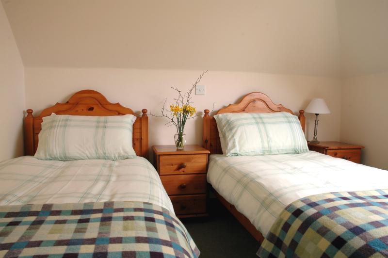 la grange - à l'étage avec deux lits