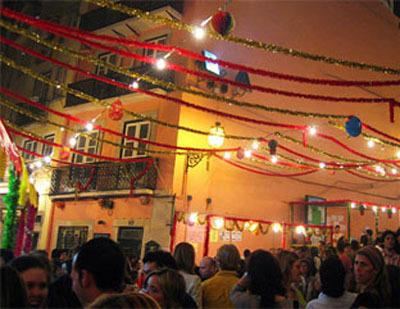 Alfama - populaire heilige festiviteiten in juni