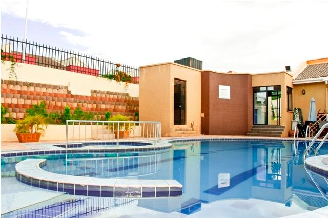 Fully furnished 2 BD apt in Ka, aluguéis de temporada em Kampala