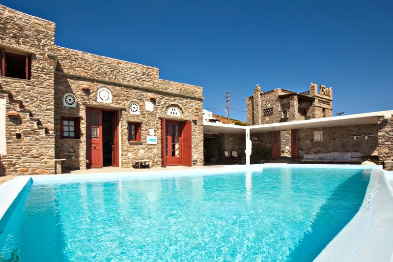 Tinos  Habitart - The Red  House, holiday rental in Tinos