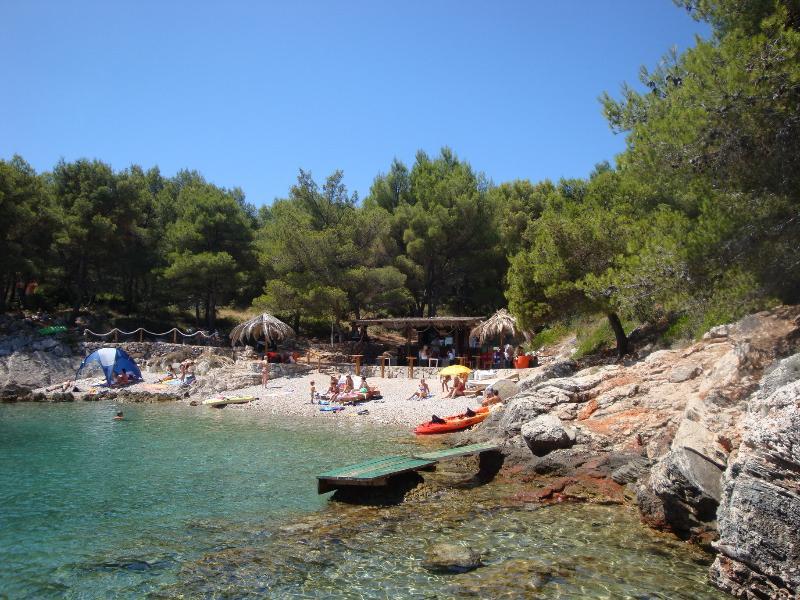 Discover the island by car, boat  or bicycle (Afrika beach bar, Stomorska)