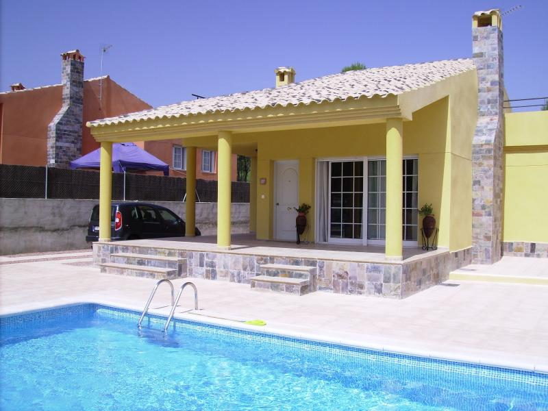 Detached villa with large private pool