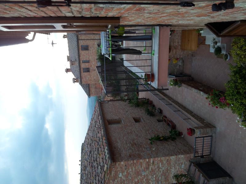LA RONDINE, casa vacanza a Asciano