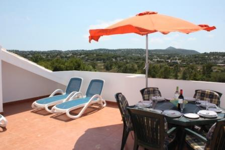 Private South Facing Roof Terrace with BBQ
