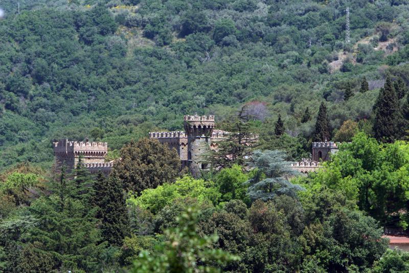 Borgia slott vid sjön Trasimeno på gränsen mellan Toscana och Umbrien