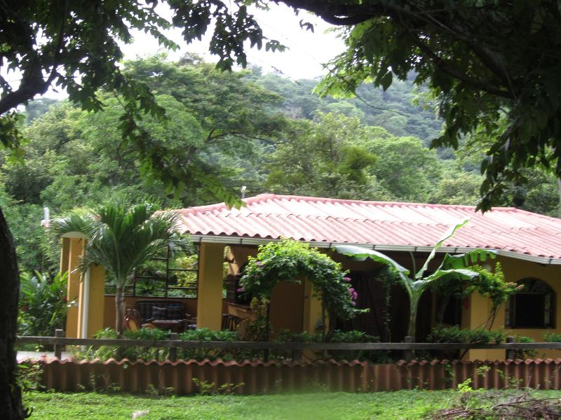 Mar Y Sol Beach House,  Tropical Haven Nicaragua, Ferienwohnung in Playa Yankee