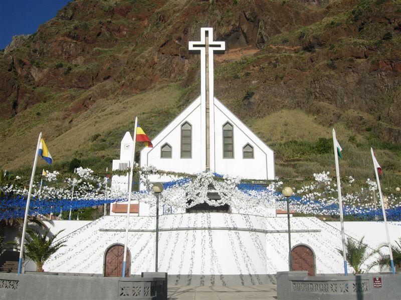 Paul do Mars historic centre and new church