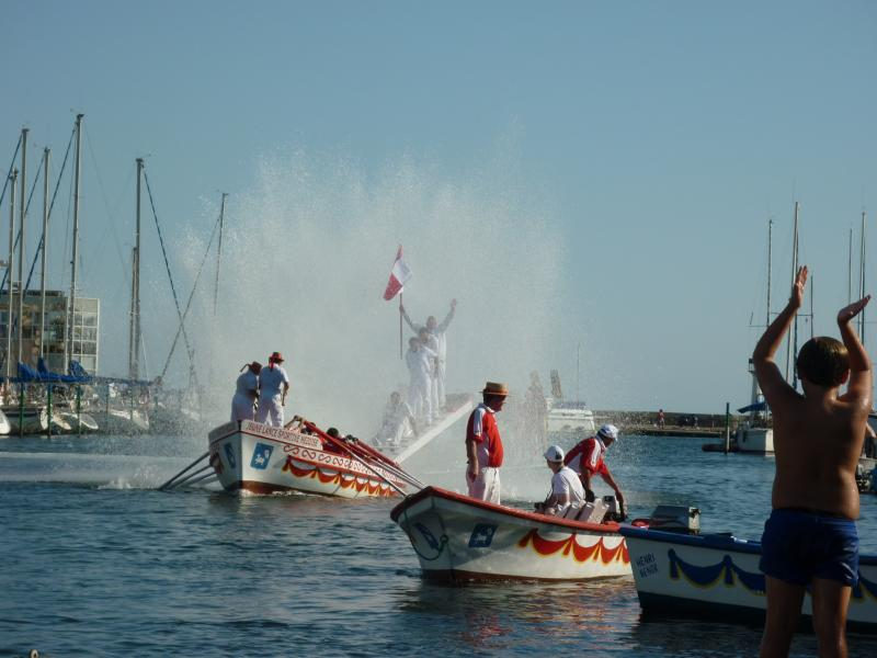 jousting in harbour