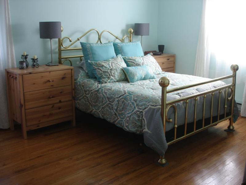 Beautiful Bedroom 'the Sweet' has new on-suite bathroom and Day Spa near Mohonk and Minnewaska