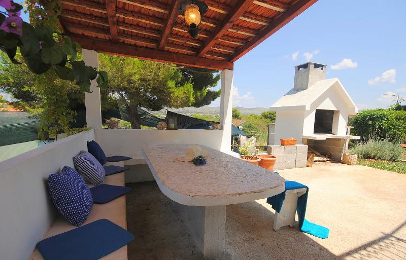 Holiday getaway Calma in a secluded bay-island Brač, holiday rental in Milna