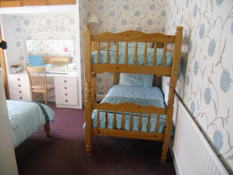 Garden Flat, Family Room with Double Bed and Bunk Beds