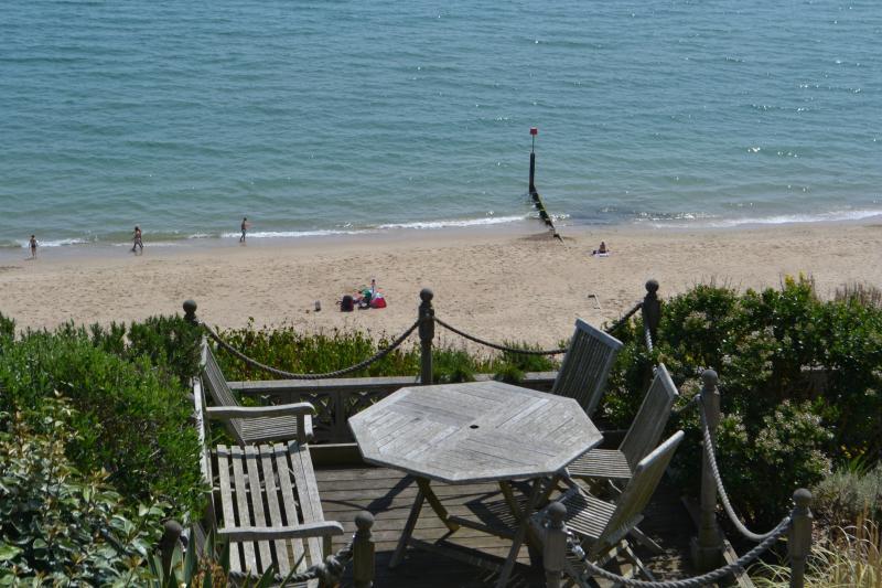 Uitzicht vanaf het dek op een zomers dag - beter dan het zuiden van Frankrijk
