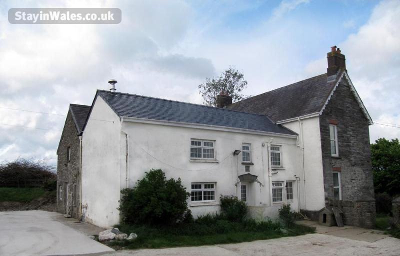 Pentwd Uchaf Holiday Farmhouse, holiday rental in Cilgerran