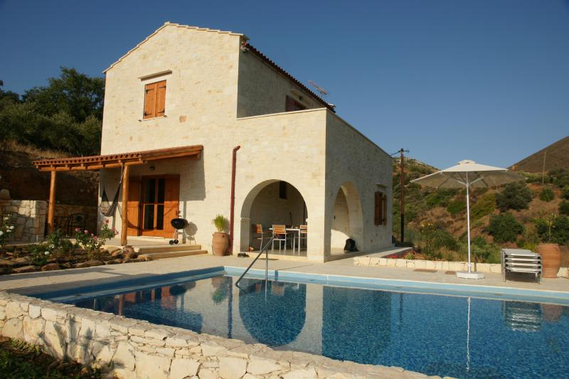 Villa Talea. Rent a country house on Crete