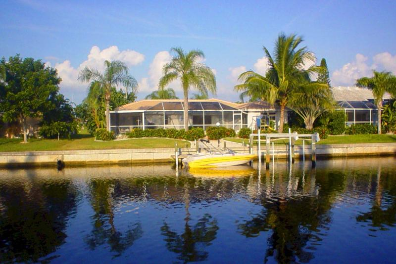 Fantastic waterfront location