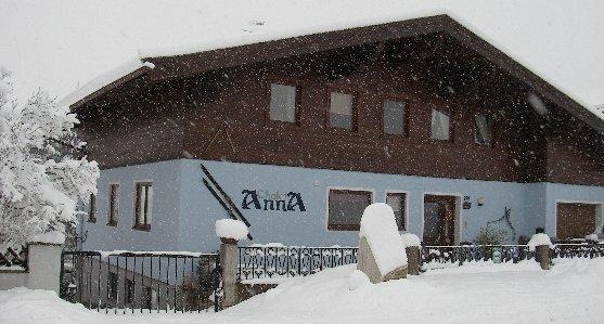 Apartment Anna in winter. 2 fully en suite bedrooms, boot warmer, lockable ski storage, free parking