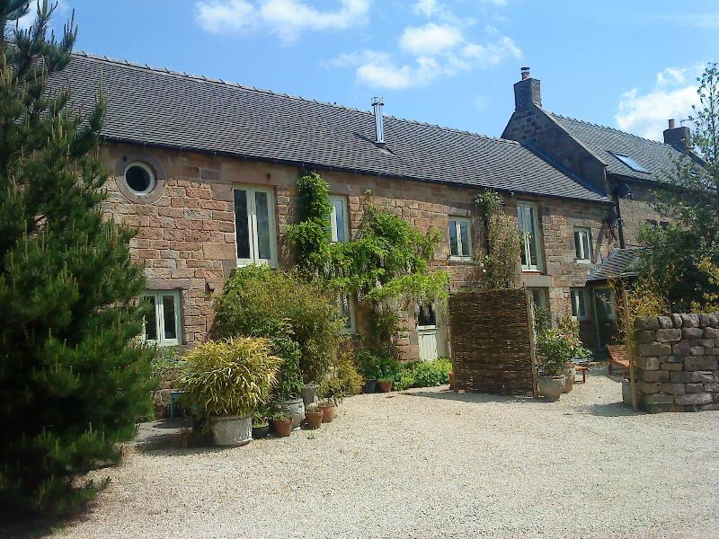 Spout Barn (sleeps 6+2 children)