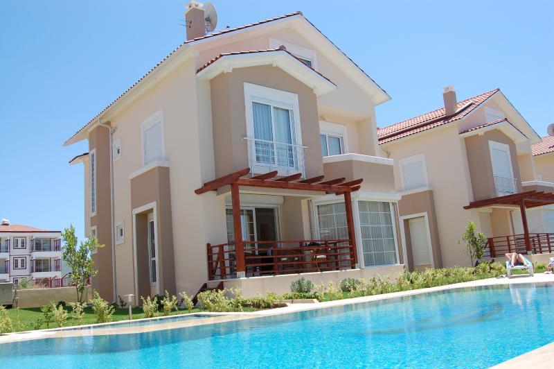 Villa with sun terrace & pool