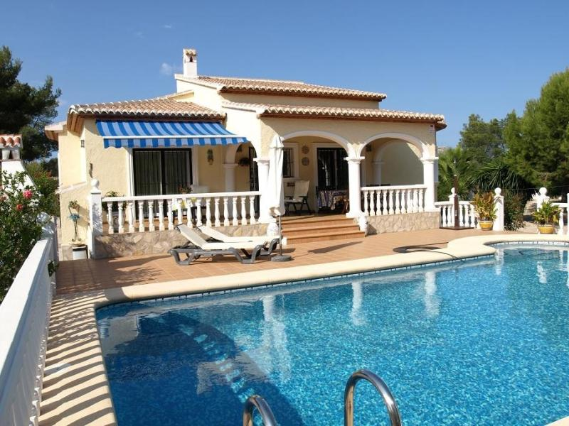 Villa Mieke with its large private pool.