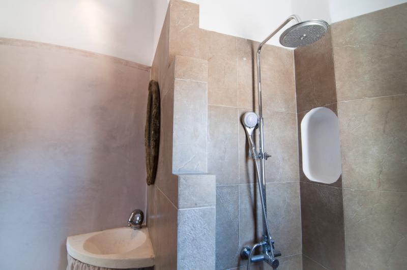 Upper ground floor bathroom