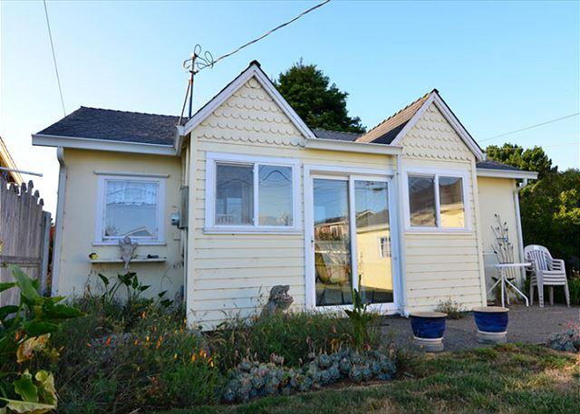 Cute and cozy cottage style beach home is perfect for one to two couples who want to spend the days out exploring the beaches and redwoods.