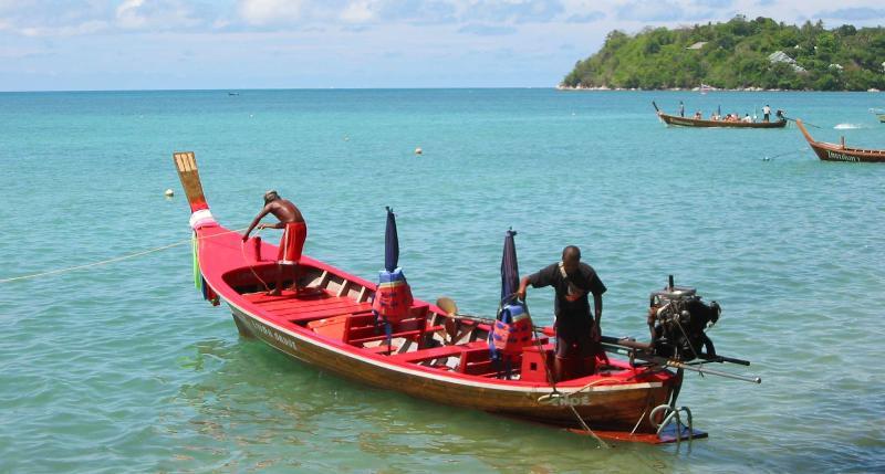 Long-tailed Boot Am Nähe Rawai Beach