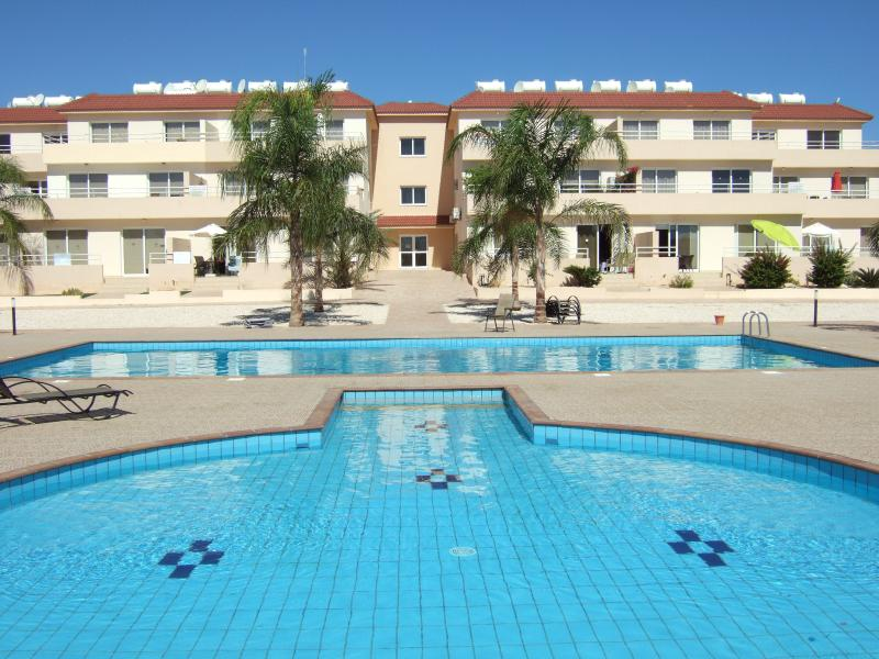 5***** Trip Advisor rated ground floor luxury apartment 20 steps to two pools, vacation rental in Ayia Napa