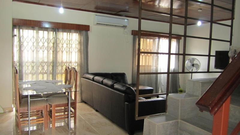 Holiday Home in Accra  And Car Rentals, vacation rental in Achimota