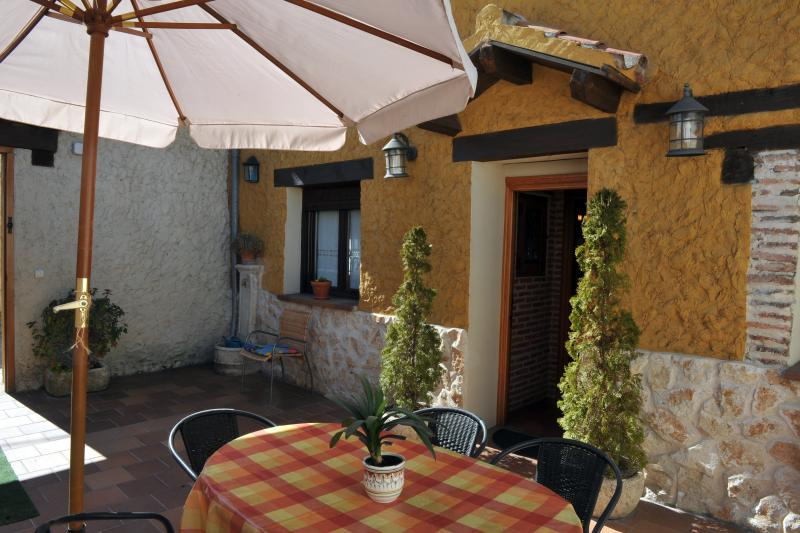 CASA RURAL REAL POSITO II, holiday rental in Aguilafuente