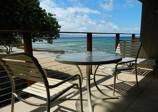 Hale Kai # 202 – Overlooking the sand-You can't get much closer to the ocean!, holiday rental in Lahaina