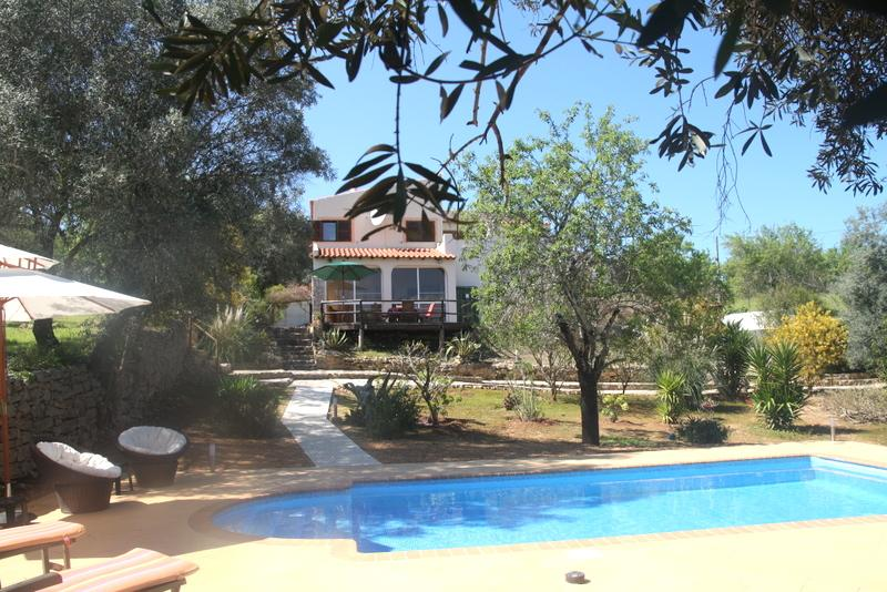 Stunning Villa - Private Pool, WiFi, 4/5 bedrooms with air con, totally private, alquiler vacacional en Paderne