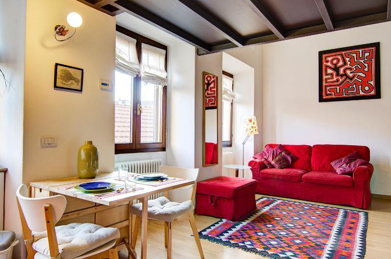SUPER LOFT, NAVIGLI, MILAN, vacation rental in Milan