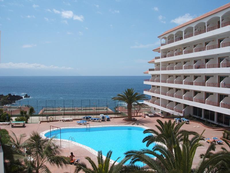 Apartamento es hacia arriba cerca del mar