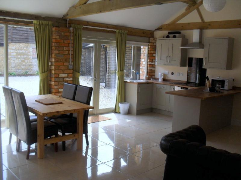 Otters Holt, Towcester, Northamptonshire., holiday rental in Buckingham
