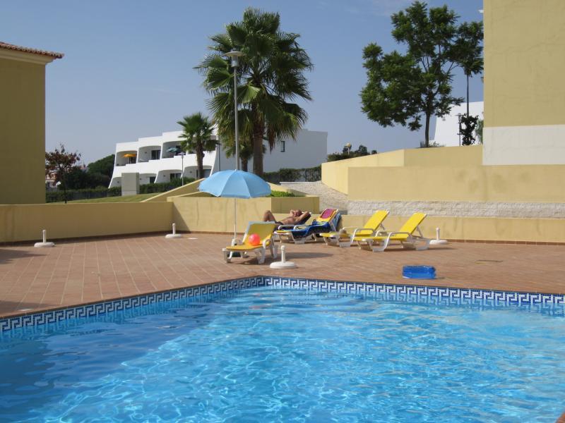 Même pool, angle différent.