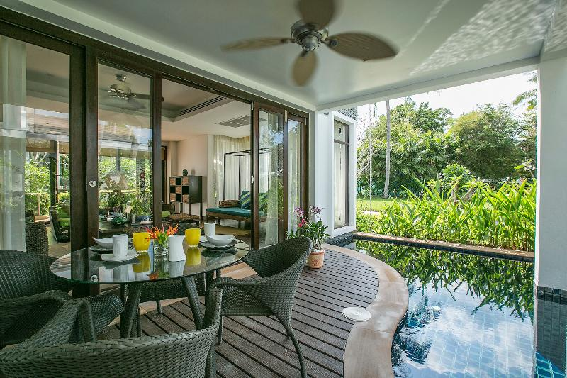 3-bedroom Heliconia Pool Villa - Perfect for Families, holiday rental in Mae Nam