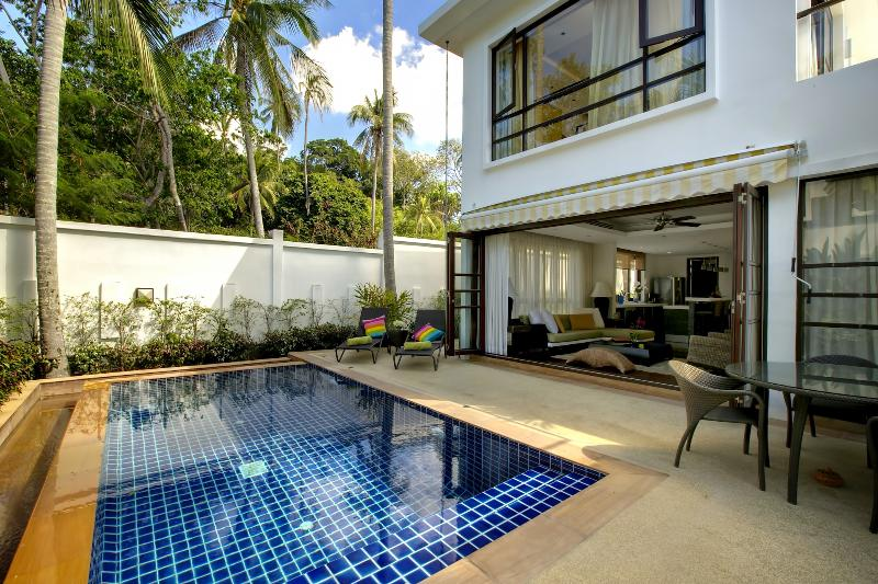 3-bedrm Frangipani Pool Villa at Beachfront Resort, holiday rental in Mae Nam