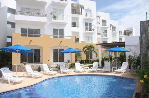Villas Marina Gardens heated pool