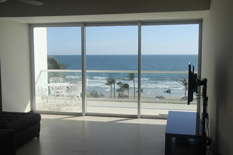 Grandes portes-fenêtres à votre terrasse privée