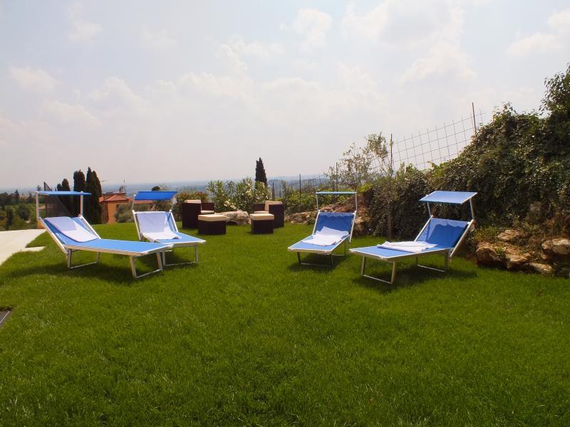 villa oleandri nuova e moderna costruzione, holiday rental in Valgatara