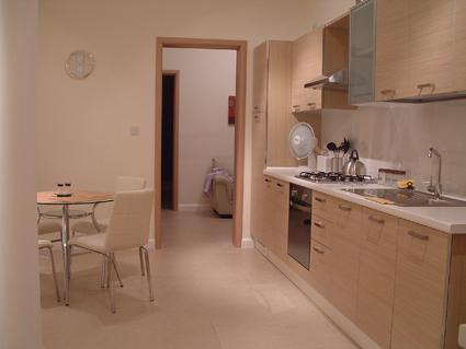Spacious, Modern, Clean Ground Floor apartment, very central in Bugibba, Free WiFi, with A/C