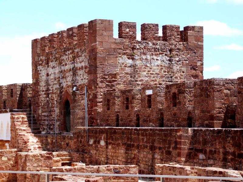 Silves Historic Town on the River with Moorish Castle, Cathedral & Nightlife